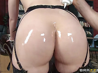 Anal paramour jenna ivory got oiled up and drilled in the wazoo