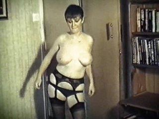 SPECIAL BREW - British big boobs dance strip