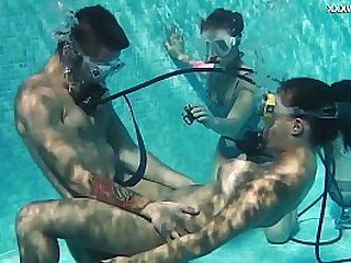 Swimming pool threesome with hot teens