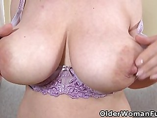 European mature Brenda's loose pussy and heavy tits need loads of attention (brand NEW video available in Full HD 1080P). Bonus video: Euro milf Mia.